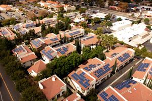 2020-tól csak napelem rendszerrel szerelt ház épülhet Kaliforniában!