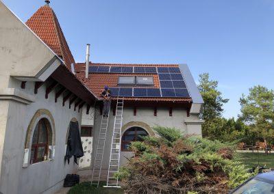 2,56 kWp napelem rendszer Nagypeterd 1